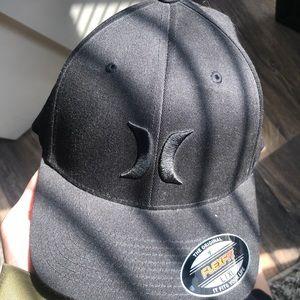 Hurley large flexfit black hat